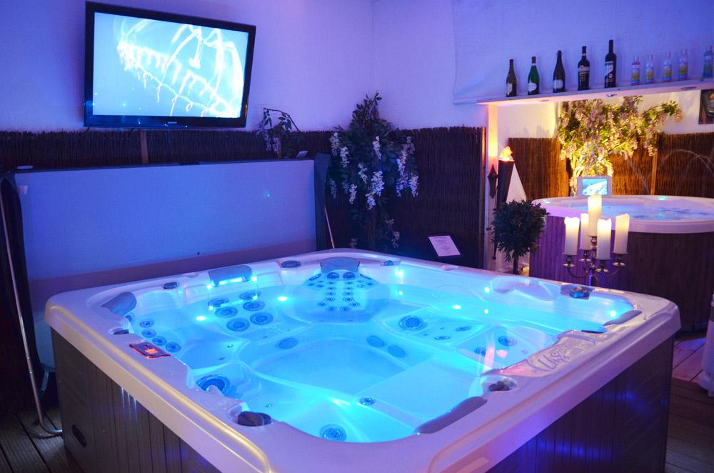 virtueller rundgang aussen whirlpool jacuzzi in nrw by. Black Bedroom Furniture Sets. Home Design Ideas